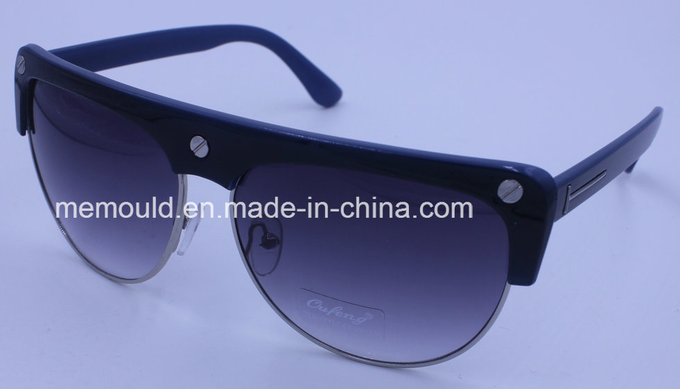Glasses Mould Manufacturer Specialized in All Plastic Injection Mold for Glasses