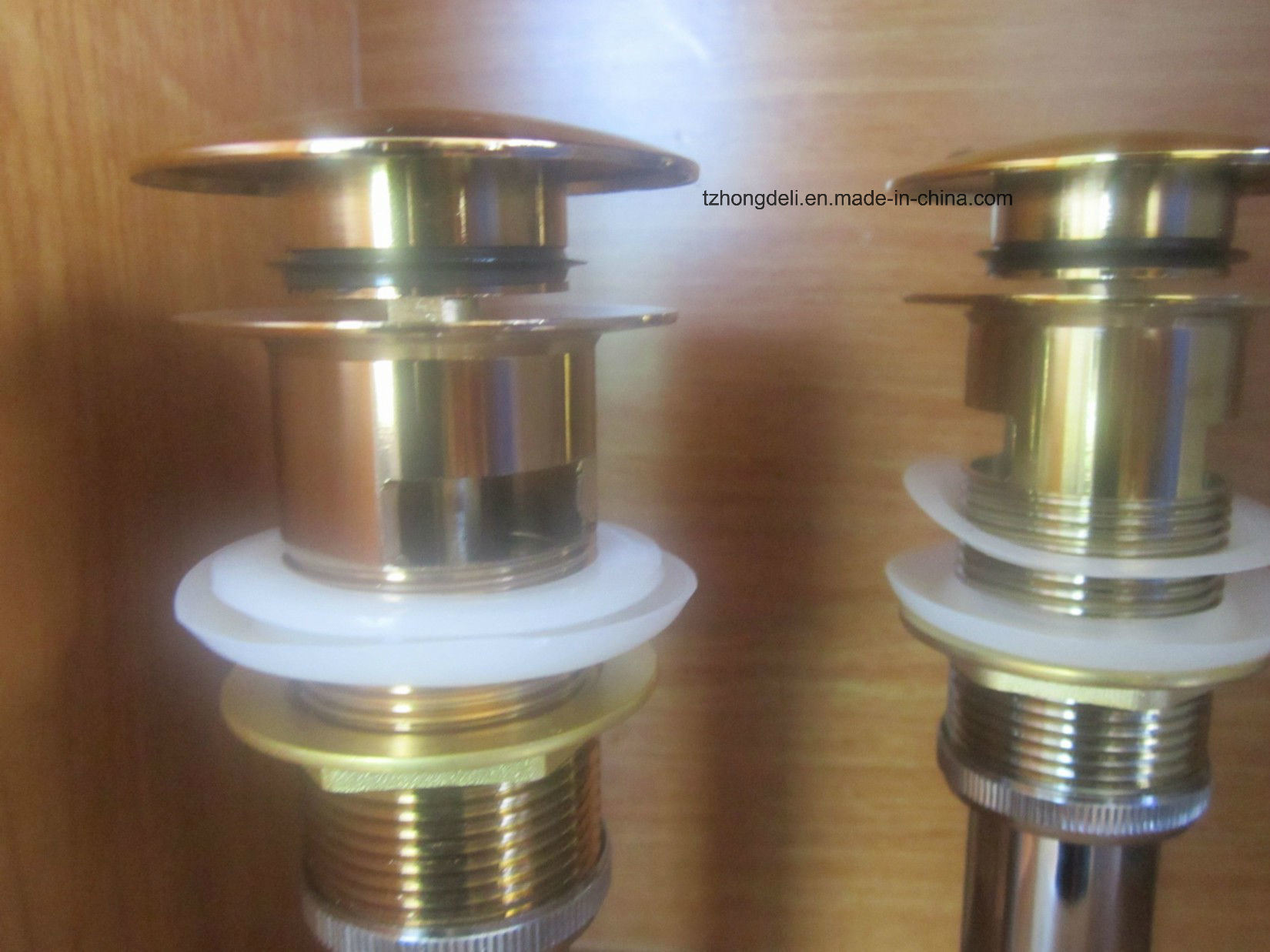 Bathroom Accessory Brass Free Way for Wash Basin Drainer