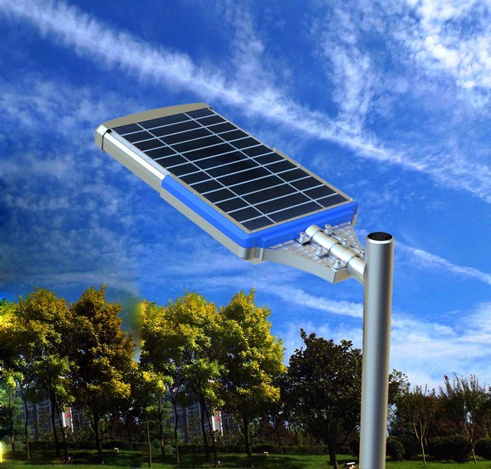Antique High Lumen Sensor Solar Outdoor Lighting Pole Lamp