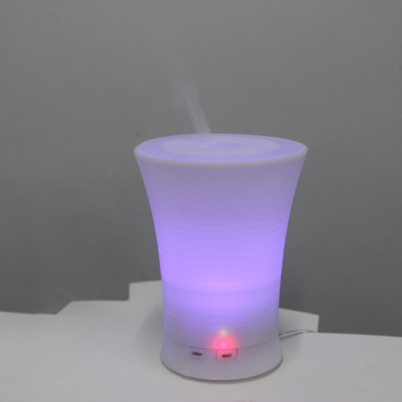 USB Charger Cool Mist Essential Oil Electroplate Plastic LED Multicolor Lighting Diffuser