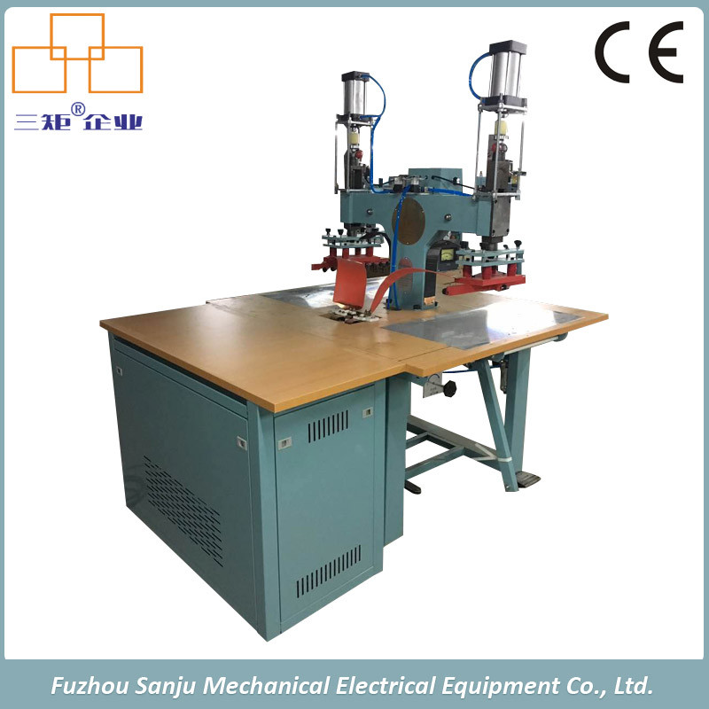 Factory High Frequency Welding PVC Raincoat Machine with Ce