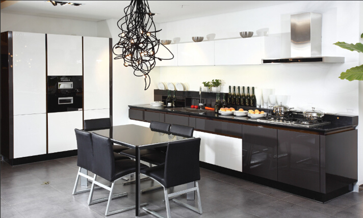China 2015 Welbom White Black High Gloss Kitchen Cabinet Of Factory Direct Sale Photos