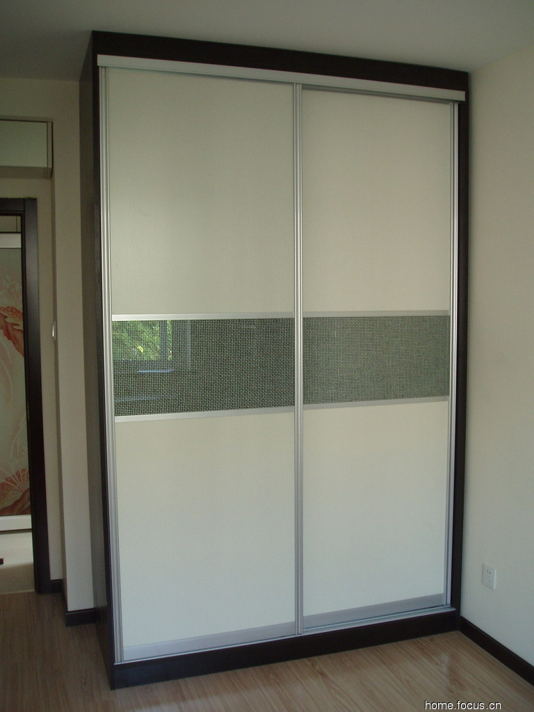 China sliding door closet china sliding door wardrobe for Sliding cupboard doors