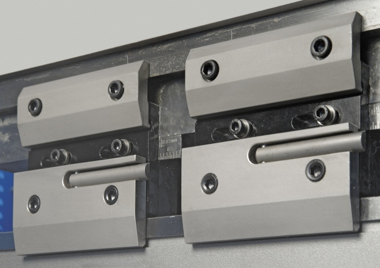 Clamping for Press Brake Machine