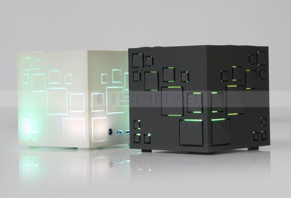 Mini Square Bass Wireless Magic Cube TF Bluetooth FM Rubik′s Cube Speaker with LED Flashlight