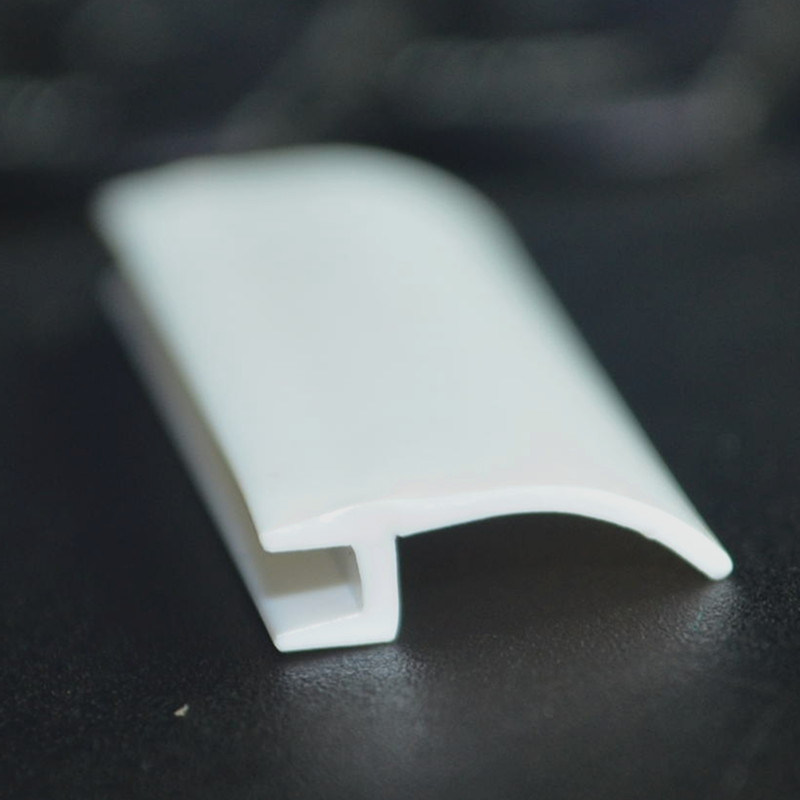 Plastic Profile (DS-1064)