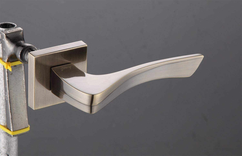 Hot Zinc Alloy Door Lock Handle (Z0-22338)