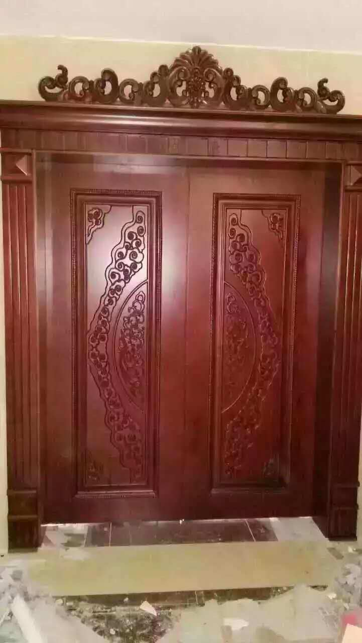 High Quality Solid Wood Door with Carving for Villa or Apartment (DS-062)