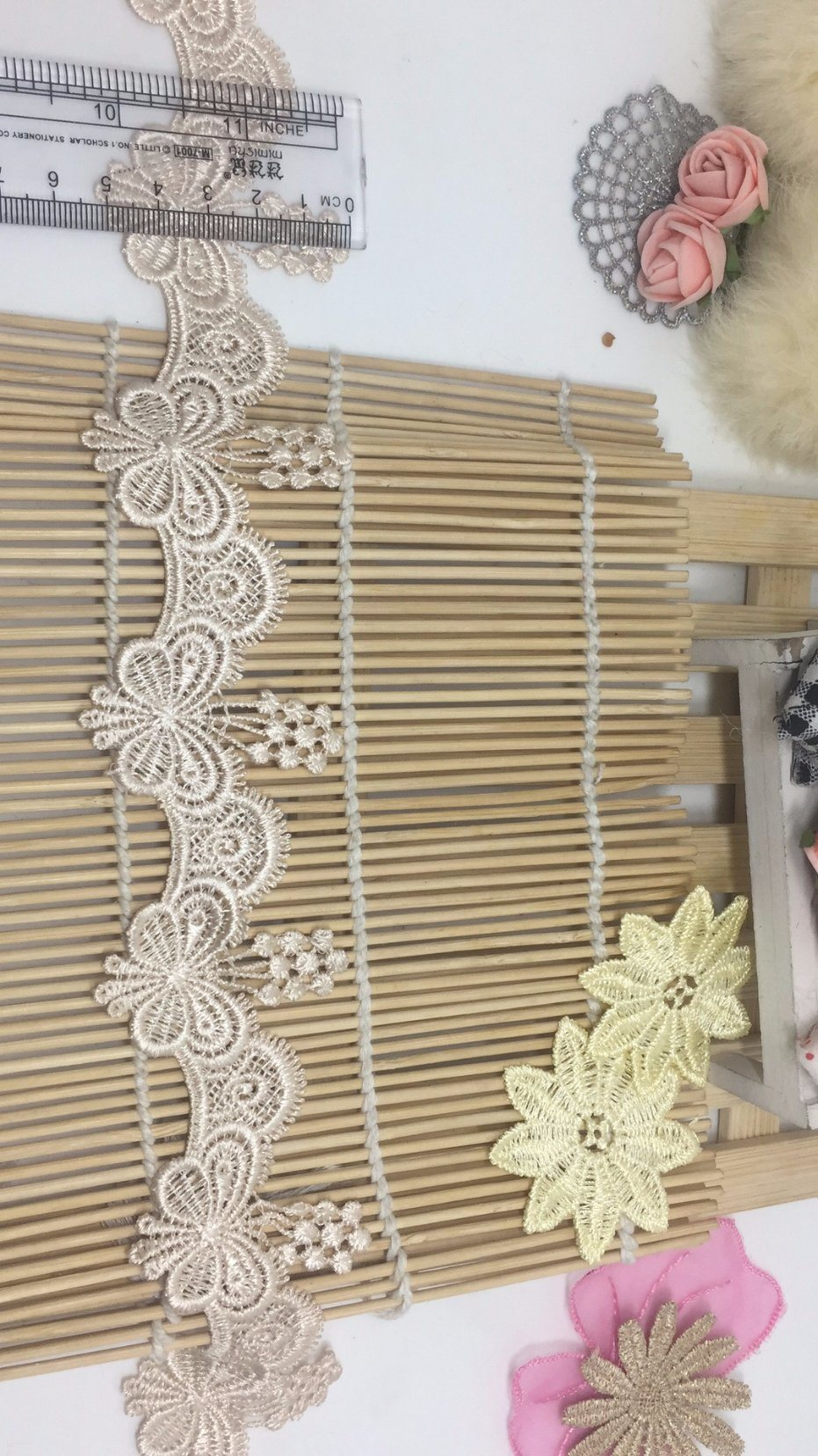 New 5.3cm Width Stock Butterfly Embroidery Water Soluable Trimming Lace for Girls′ Dresses & Garment Accessories & Beddings & Placemats