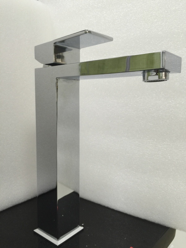 Watermark Sanitary Ware Square Bathroom Brass Chrome Tap (HD4203H)