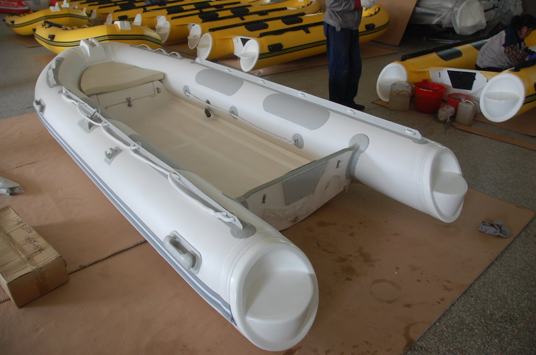 Inflatable Canoe (3.9M)