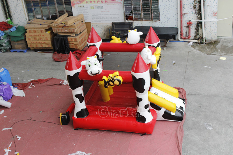 Cow Commercial Jumping Castle Inflatable Bouncer for Kids Chb738