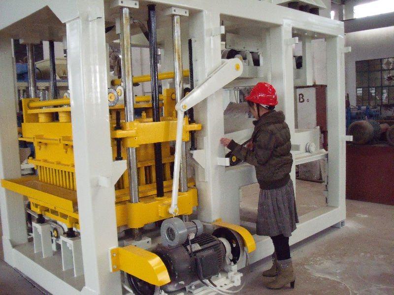 Interlocking Cement Block Making Machine