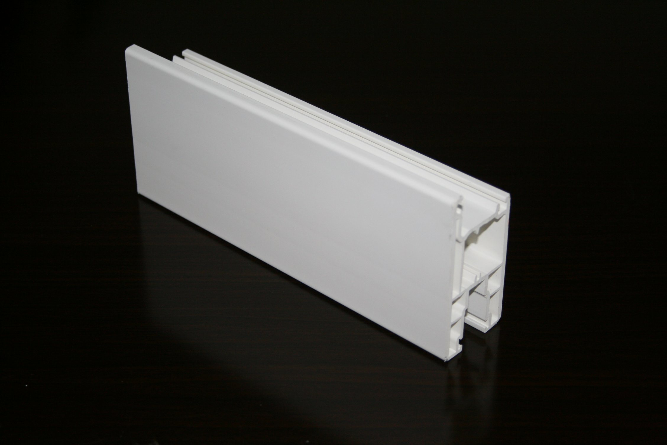 Excellent Low-Temprature Impact Five Chambers Co Extrusion Profiles for Plastic Windows and Doors