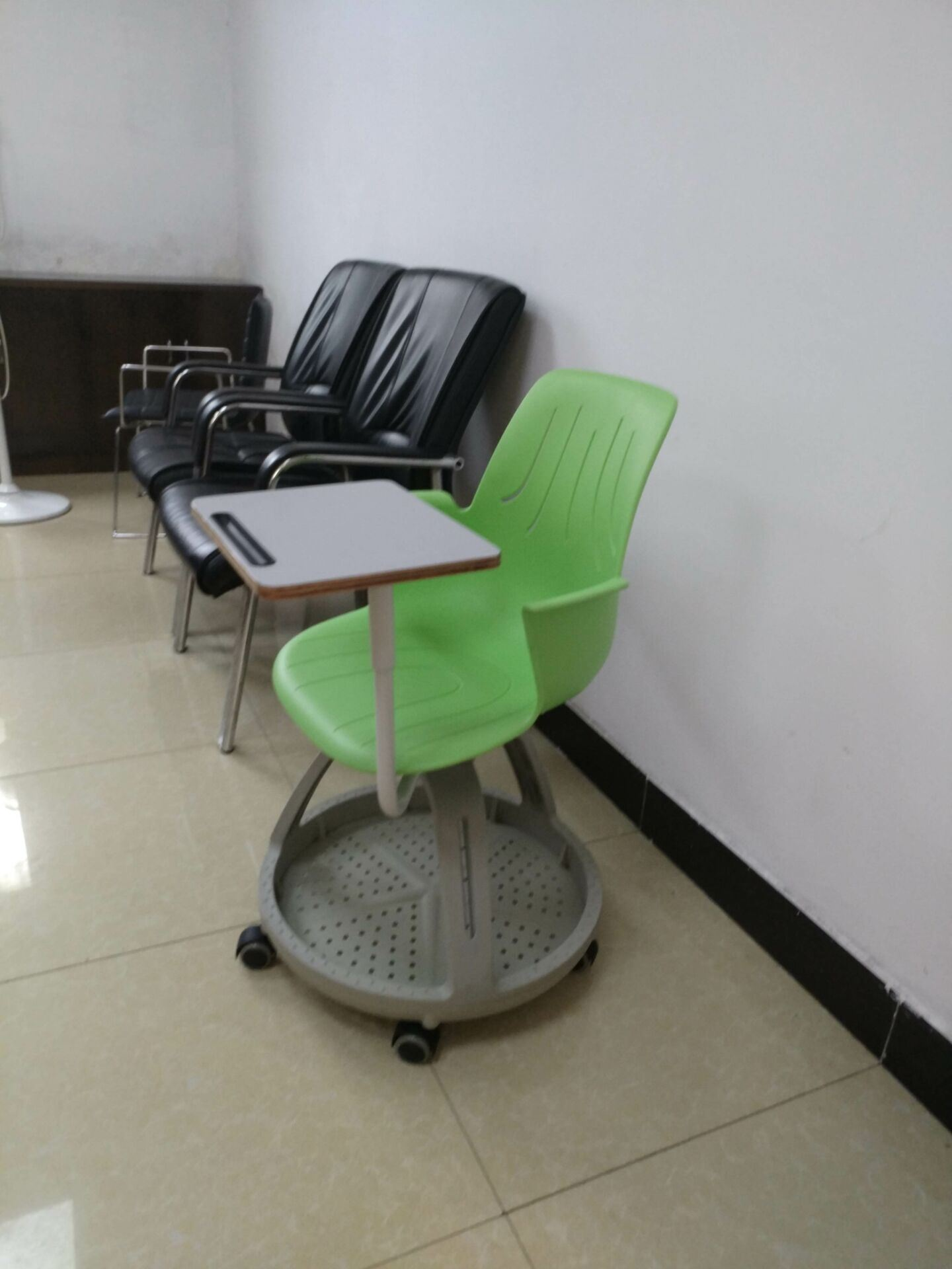 Standard Clssroom plastic Node Training Chair with Writing Pad