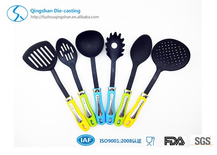 Non Stick Pan with Nylon Shovel