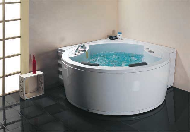Whirlpool bathtubs the best desktop wallpaper online for Royal whirlpool baths