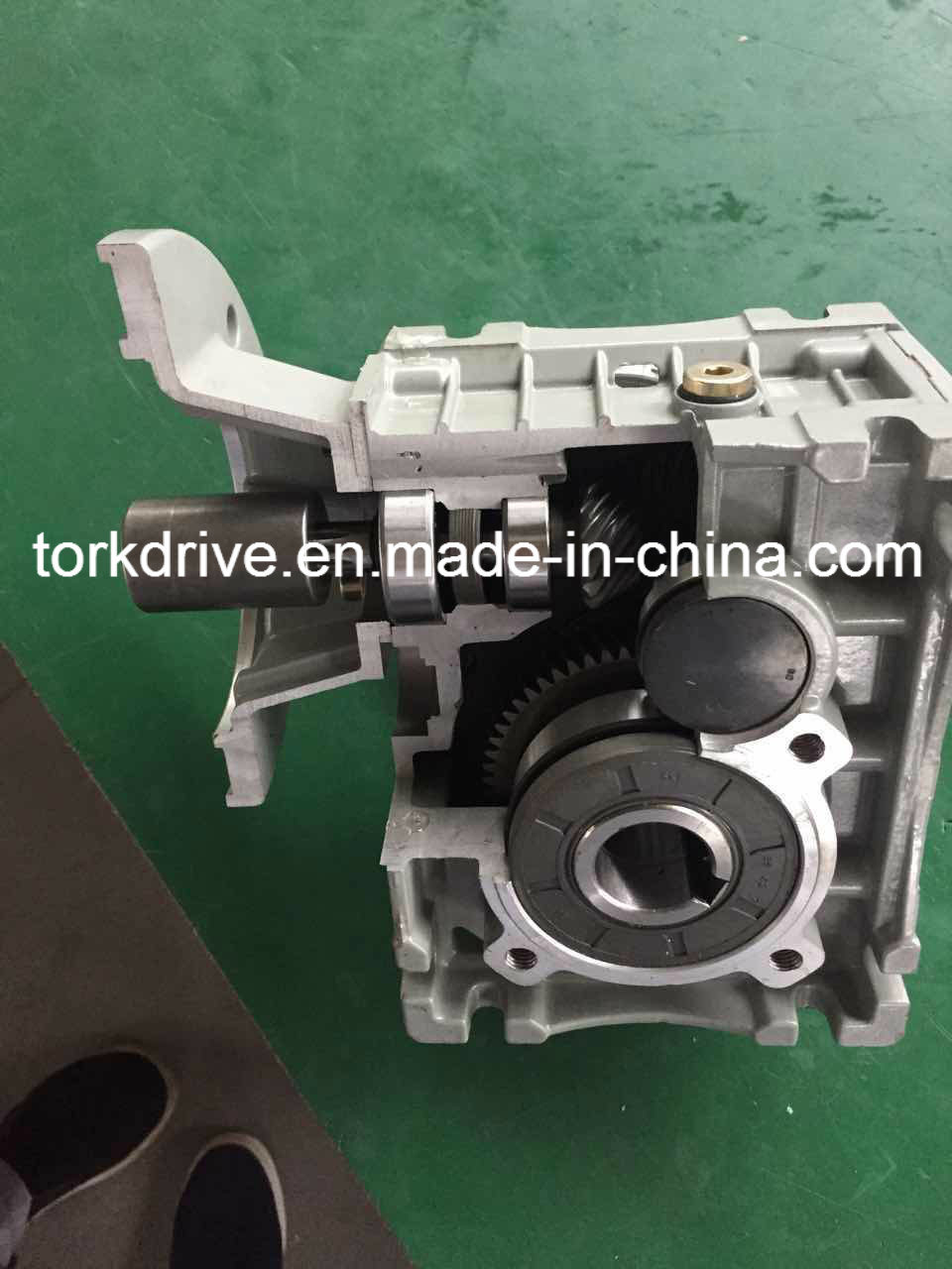 Kpm Helical-Hypoid Gearbox/Speed Reducer