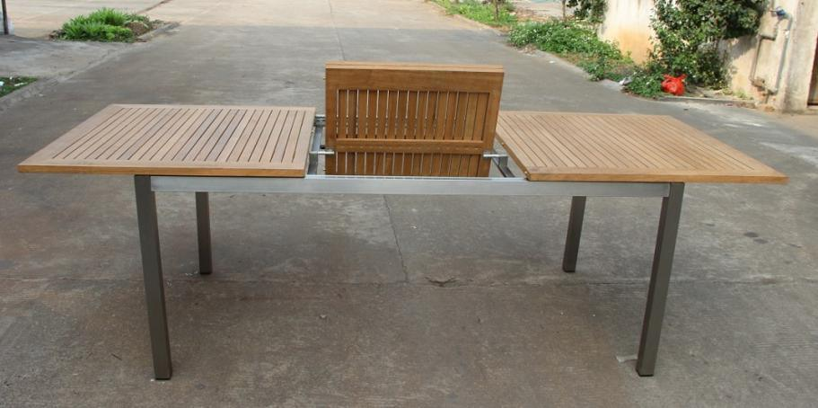 China Flexible Teak Dining Table Outdoor Furniture Yn
