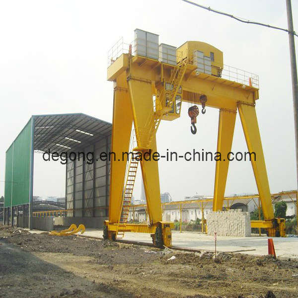 Gantry Crane http://degong.en.made-in-china.com/product/QbJEZdCvnKrY/China-Gantry-Crane-MH-A-.html