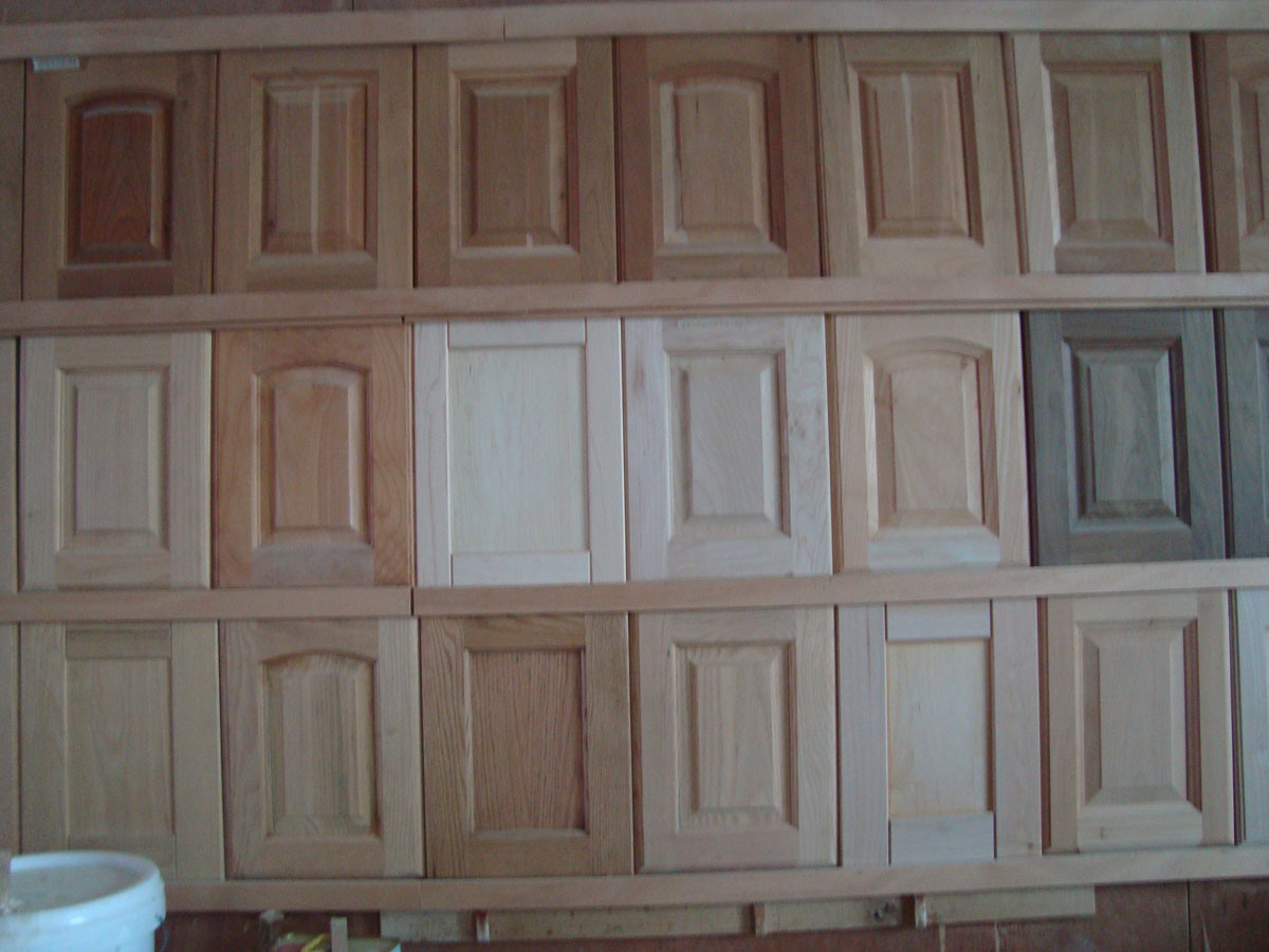 China solid wood kitchen cabinets doors photos pictures for Wood kitchen cabinets
