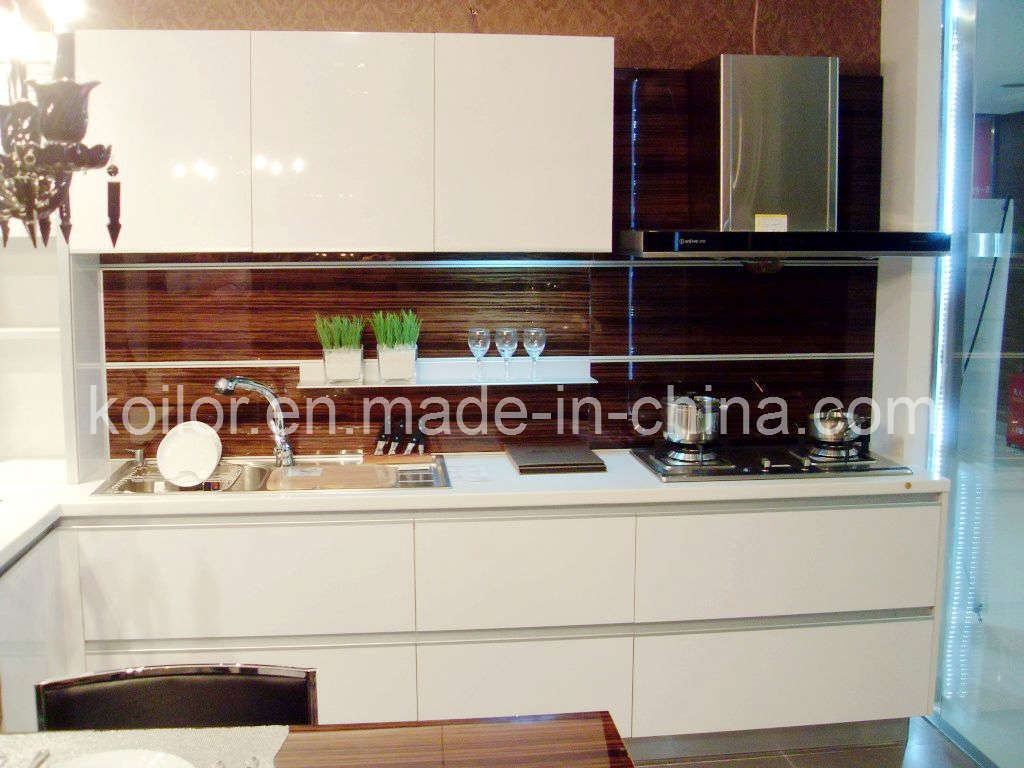 China high gloss lacquer kitchen cabinet simple space for High gloss kitchen cabinets
