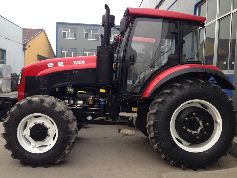 135HP Hx1354agricultural Tractor Made in China CE Approved with Front Loader/Backhoe/Trailer/Mower