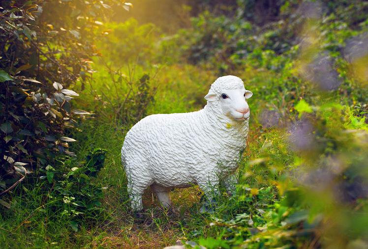 Polyresin/Resin Craft Sheep for Home&Garden Decoration