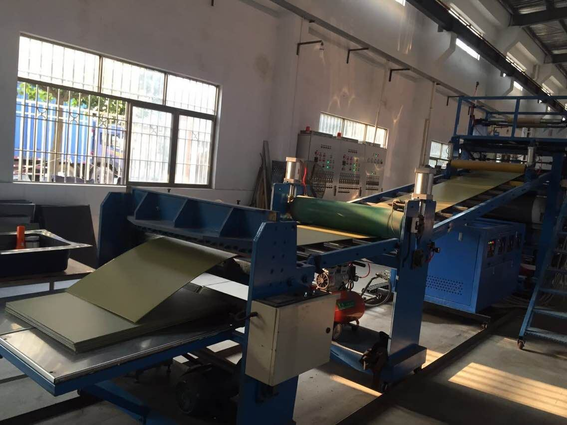 ABS, PC, PP, PS, PE, PMMA Luggage Plastic Extruder Sheet Machine