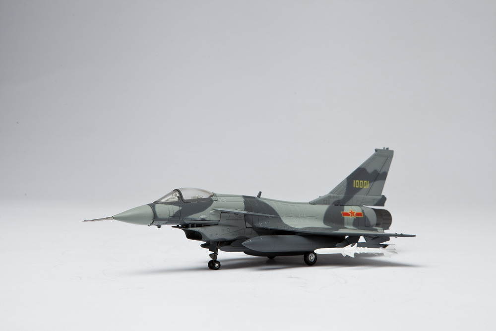 China Manufacturer Best Price Military Fighter Jet Aircraft Model J-10 1: 72 as High-End Business Gifts