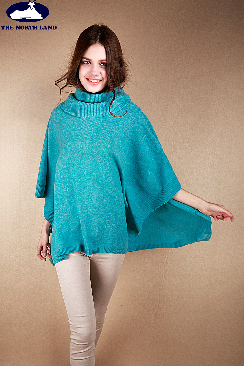 Cable Knitted Stole with Buttons-Cashmere Sweater