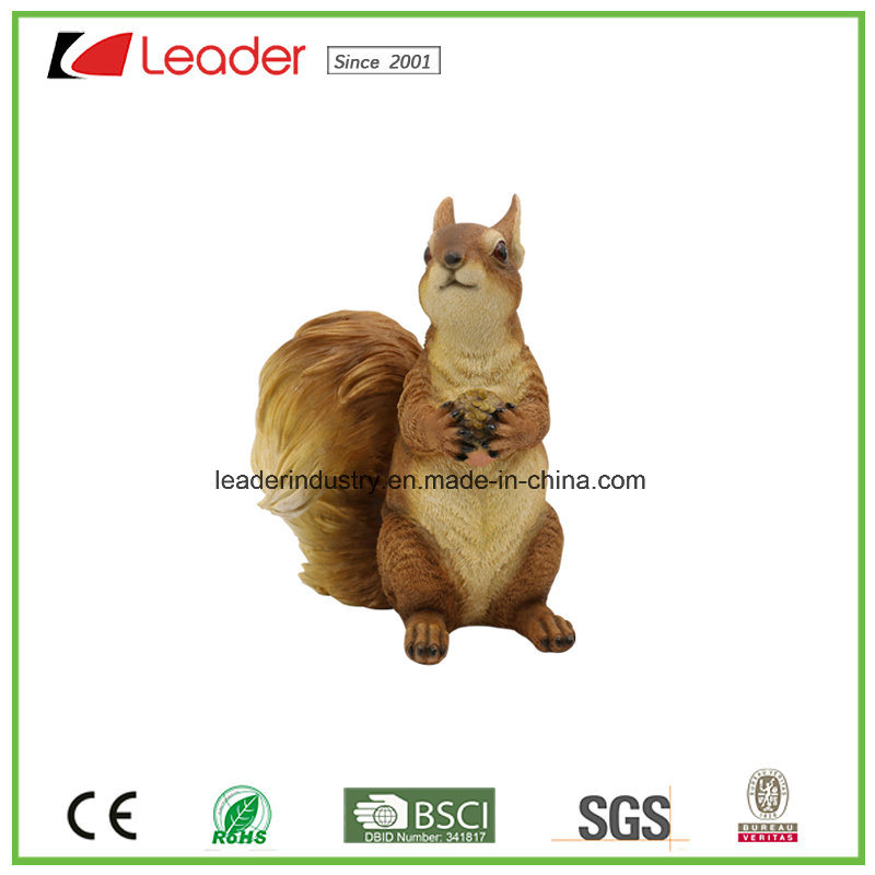 Decorative Polyresin Woodland Squirrel Statues for Home and Garden Decoration