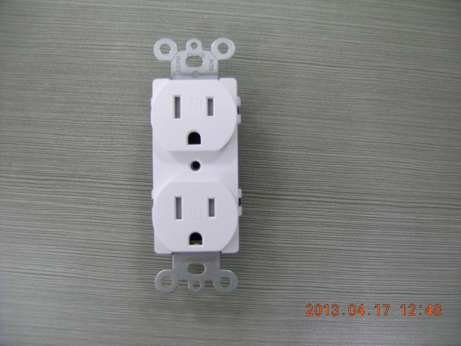 Stand Duplex Electrical Outlet, Straight Blade, Residential Grade, Tamper-Resistant, 15 a, 125VAC, NEMA 5-15r, UL Listing