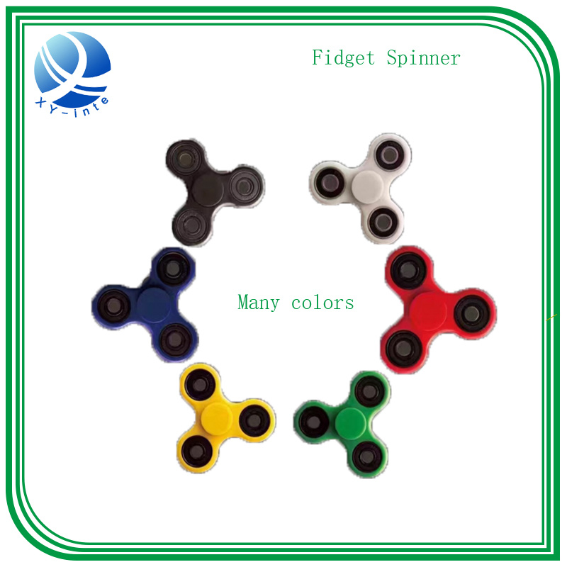 Hot Sale 2017 Tri-Spinner Fidget Spinner Toy