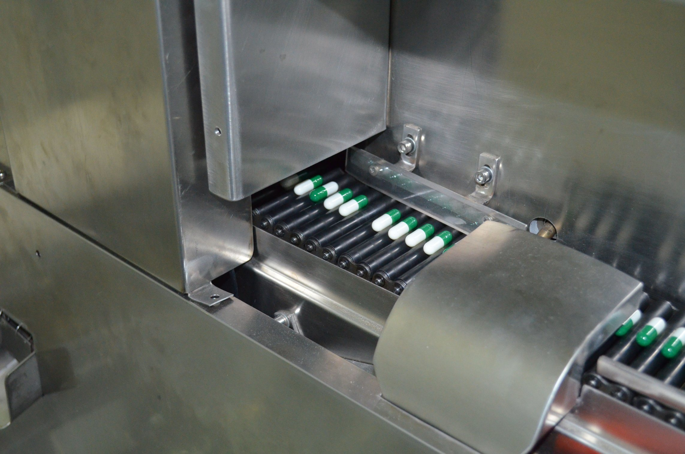 GMP Standard Full Automatic Capsule Vision Inspection and Sorting Machine