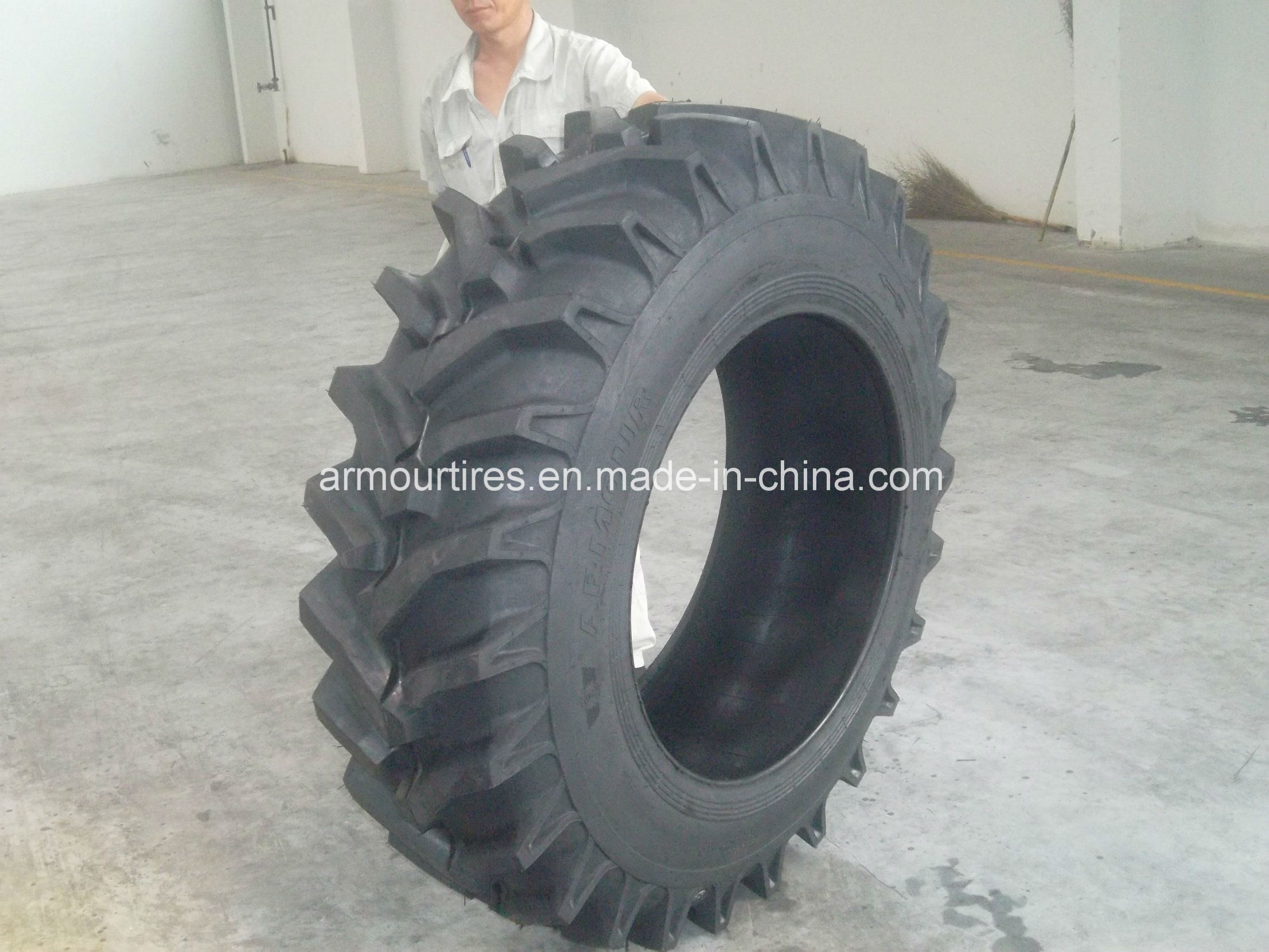 Armour 14.9-28 R7 Agricultural Tire for Tractor