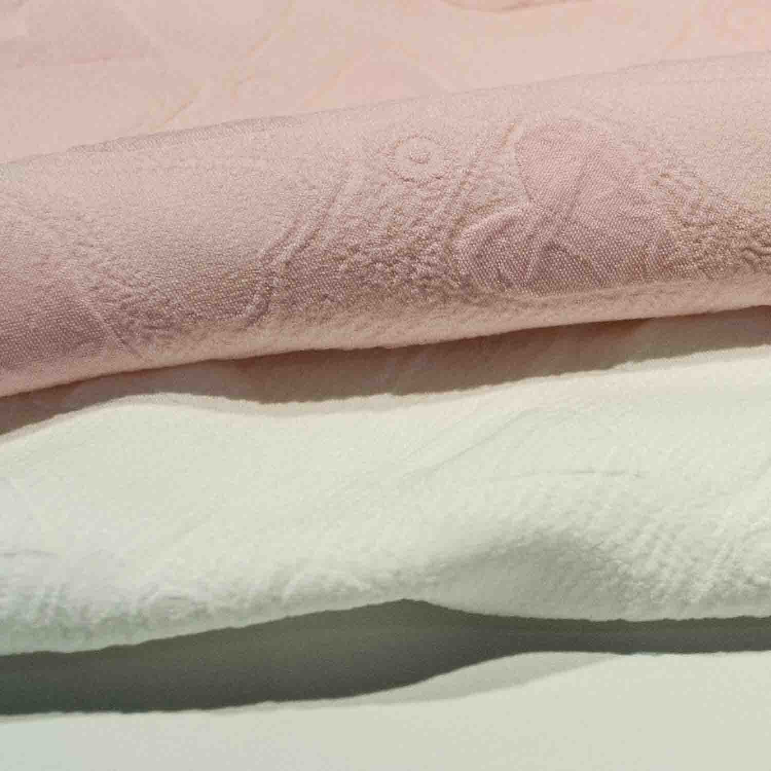 Dyed Jacquard Chemical Polyester Fabric for Woman Dress Skirt Garment