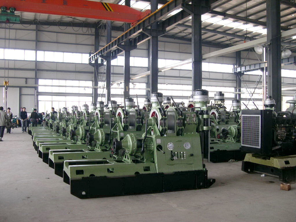 Spindle Type Core Drilling Rig (XY-42A) with 1100m Drilling Capacity