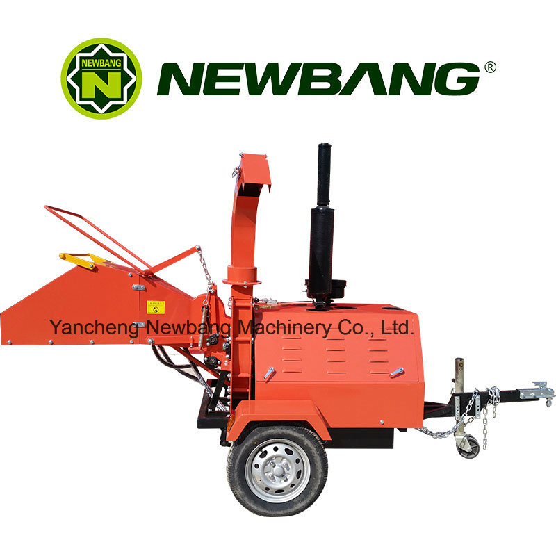 Red Wood Chipper with Universal Coupling Feeding System