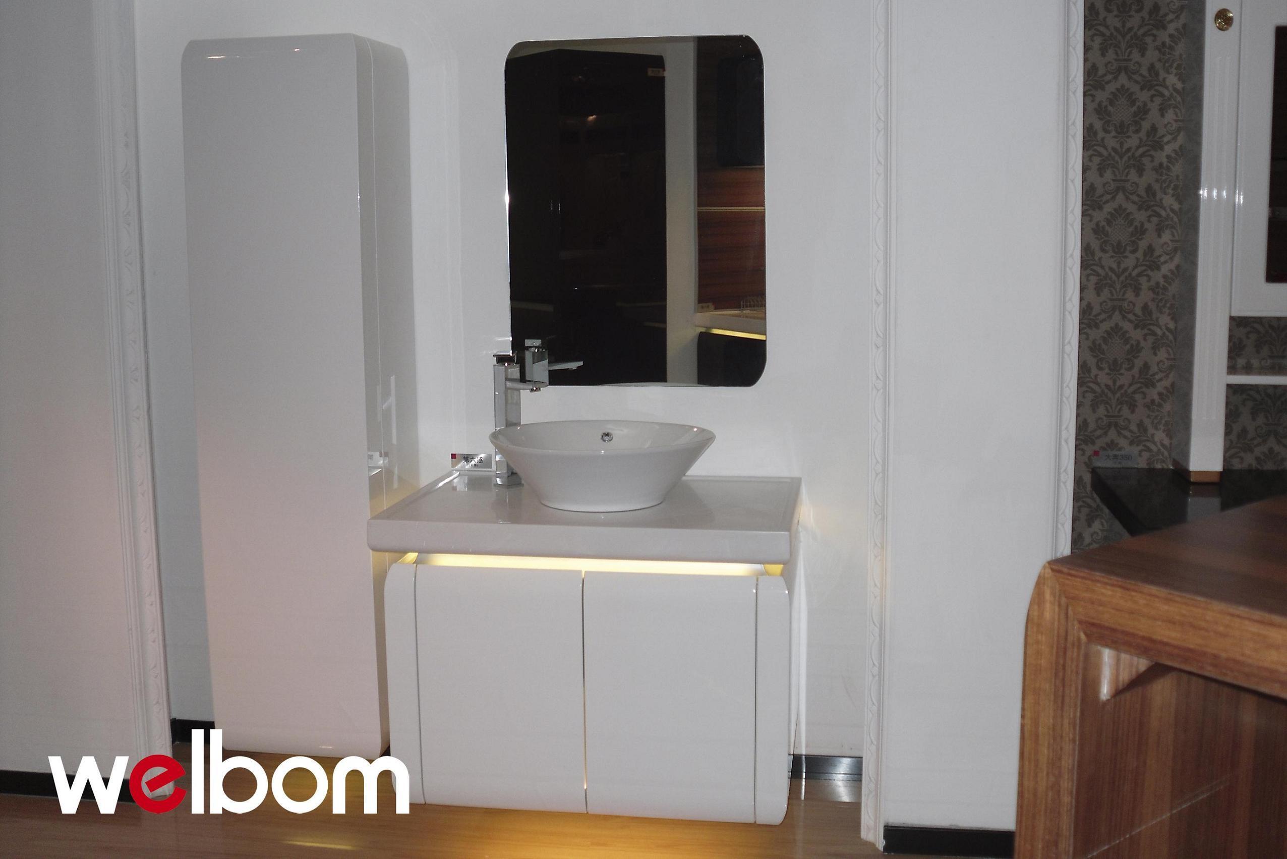 Modern design high gloss bathroom cabinet for Bathroom high cabinet