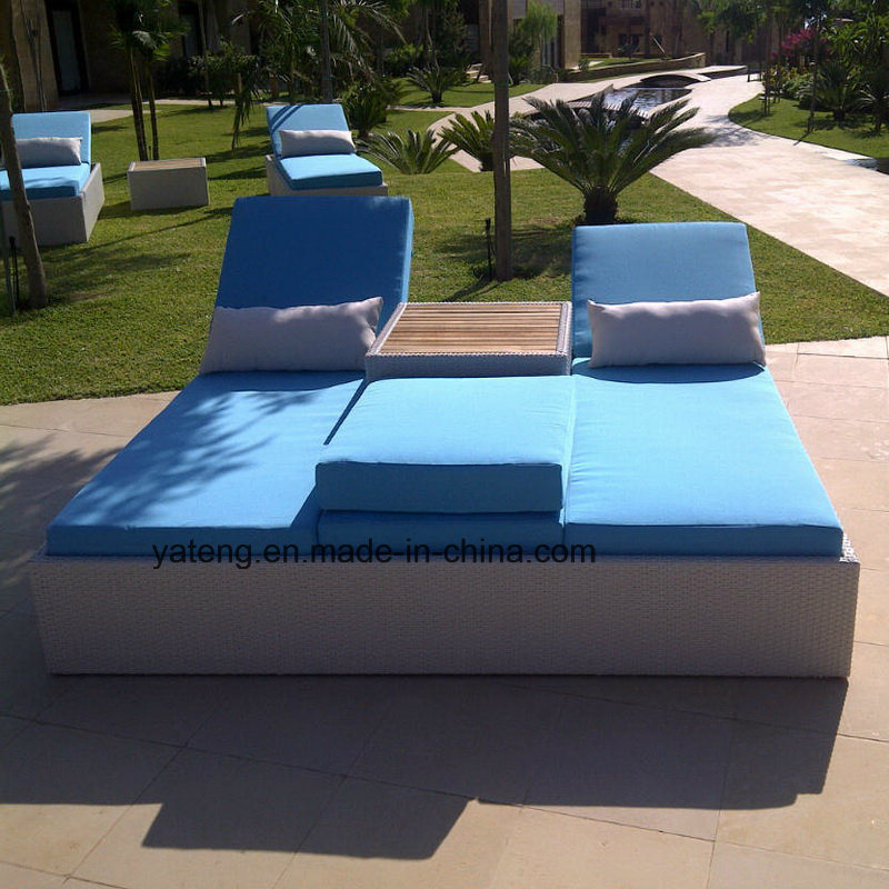 New Design Hotel Rattan Outdoor Furniture Single Sun Bed Chaise Lounger (YTF552-1)