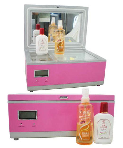 Stylish Mini Fridge 3 Liter, AC100-240V for Cosmetic Storage Use
