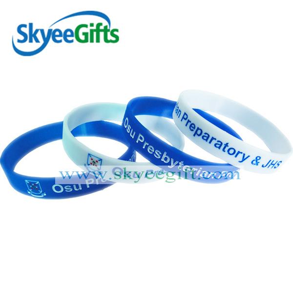 Customized Logo Debossed Ink Silicone Bracelet for Promotion