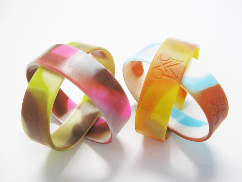 Promotional Multi Color Mixed Camouflage Swirl Logo Debossed Silicone Wristbands