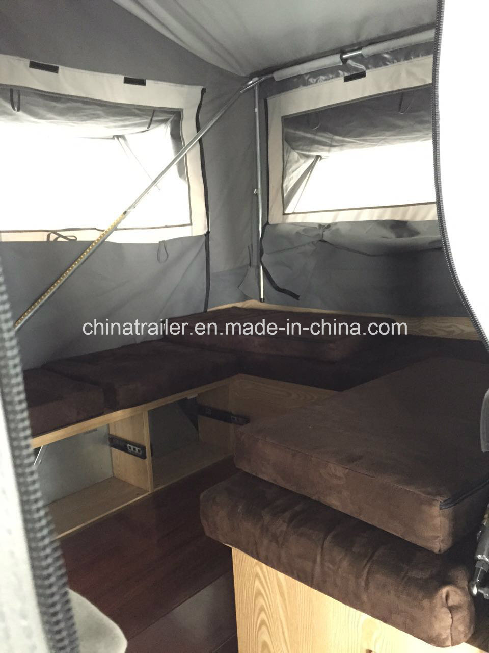 Hard Floor Forward Folding Camper Trailer with Adr Certificate