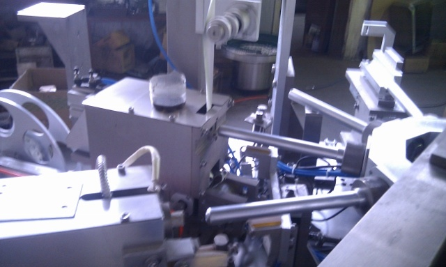 Tube Drilling & Sealing &Capping (screwing) Machine (B. ZFG-II)