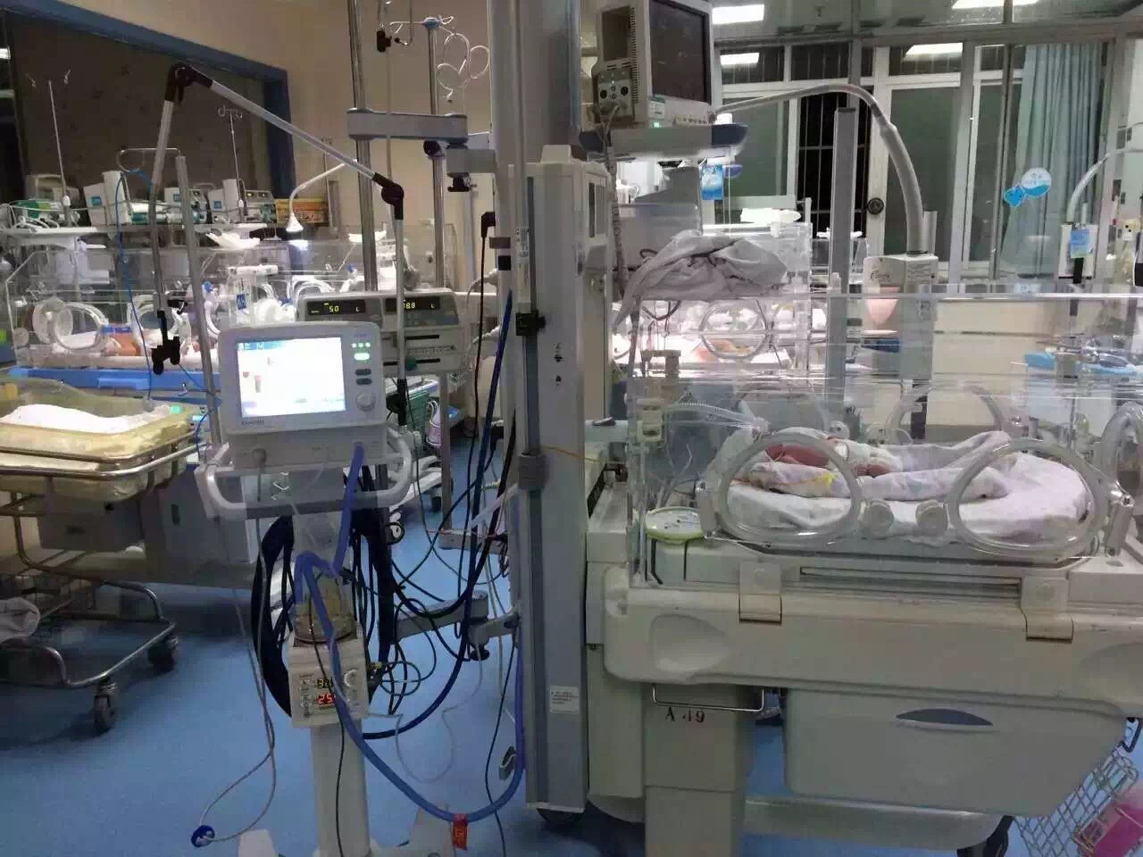 CPAP Therapy Medical Ventilator Neonate Ventilator with Ce (SC-NV8)