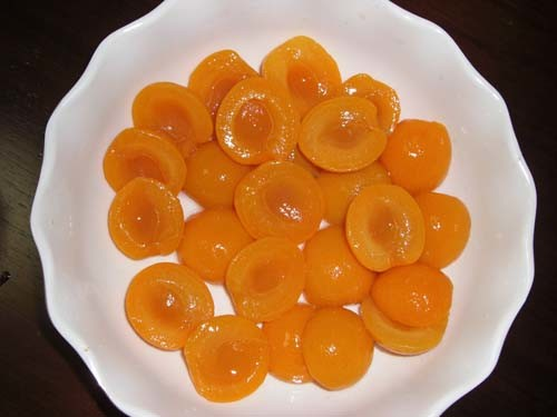 Canned Apricot Slices with High Quality