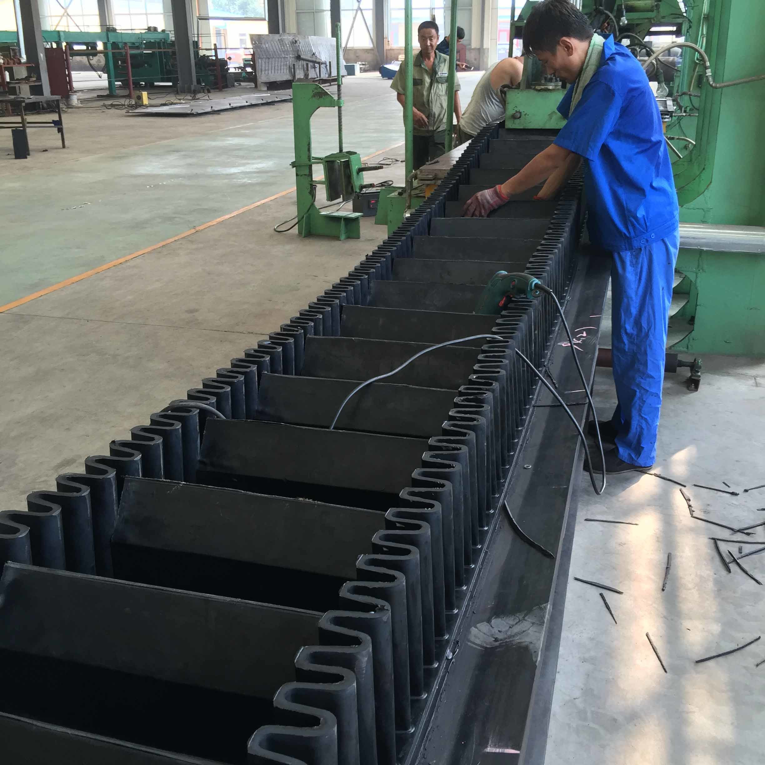 Sidewall Cleated Conveyor Belt, Steep Sidewall Cleated Conveyer Belt