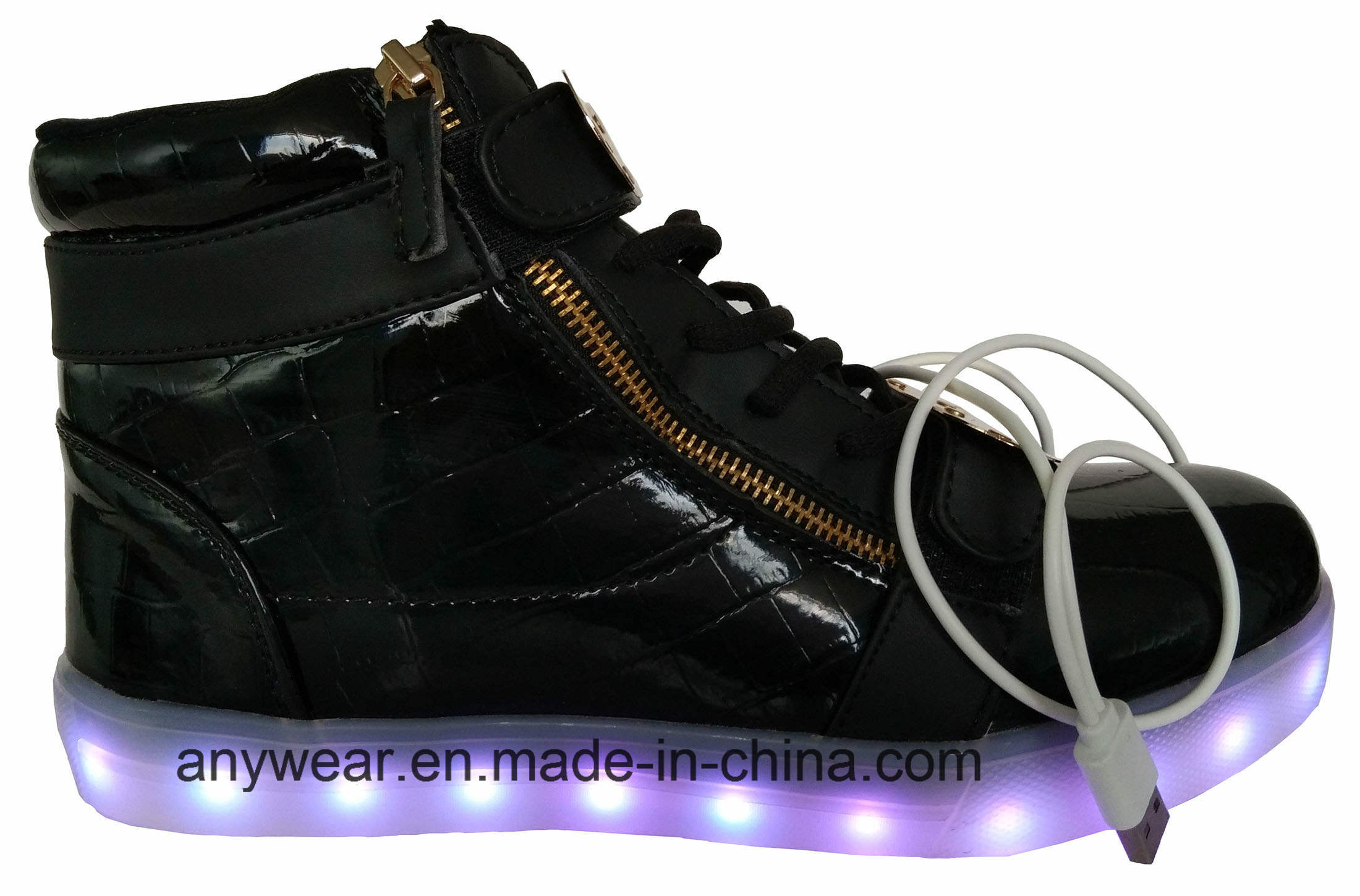 Athletic Footwear Skateboard LED Light Sports Shoes (816-6979)